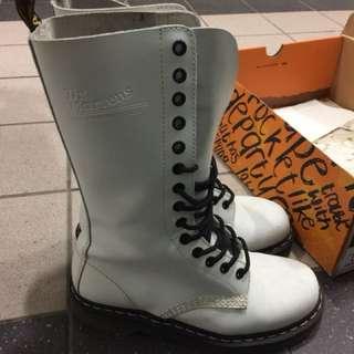 Dr martens 白靴