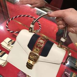 歐洲代購,Gucci sylvie mini bag 20cm 小方包可手提,兩條肩帶