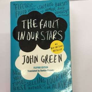 The Fault in Our Stars FILIPINO EDITION by John Green