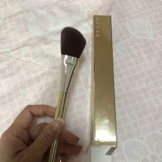 Becca the Champagne Collection Angled Highlighting Brush