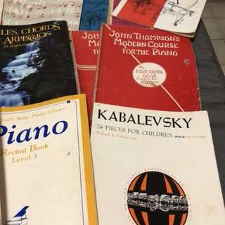 Almost 30 piano books