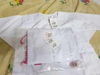 Baju sekolah rendah perempuan