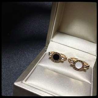 BVLGARI 18k玫瑰金黑瑪瑙白貝母雙面戒指