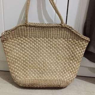 Free post straw bag