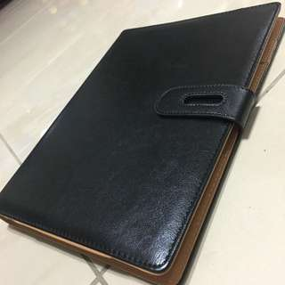 Big-B5 Refillable NoteBooks/Black Belt(60 sheets of Notes) 21.5cm x 27cm (Height)🚗{Including a Free delivery}