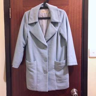 Lily brown blue coat