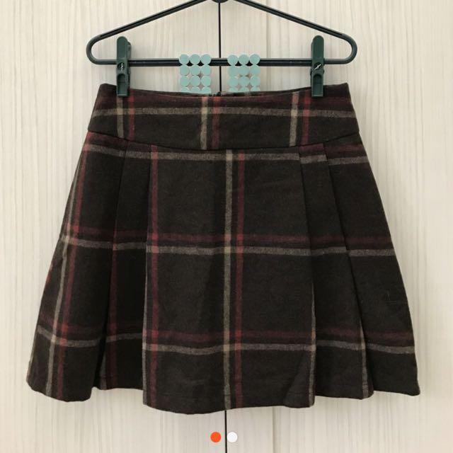 韓版毛呢學院風膝裙。 全新  原価699