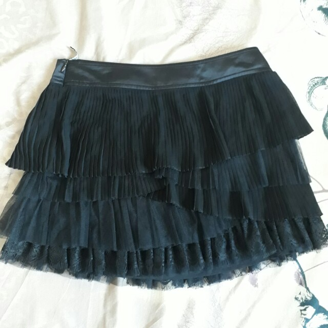 ARIOSE & YEARS black skirt