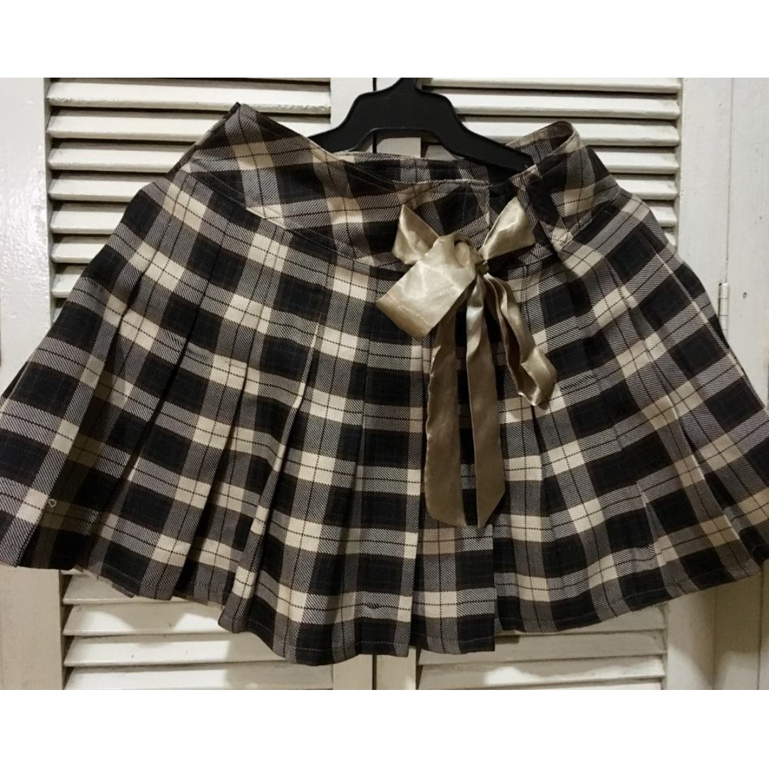 Black, brown and cream plaid pleated skirt with gold satin ribbon