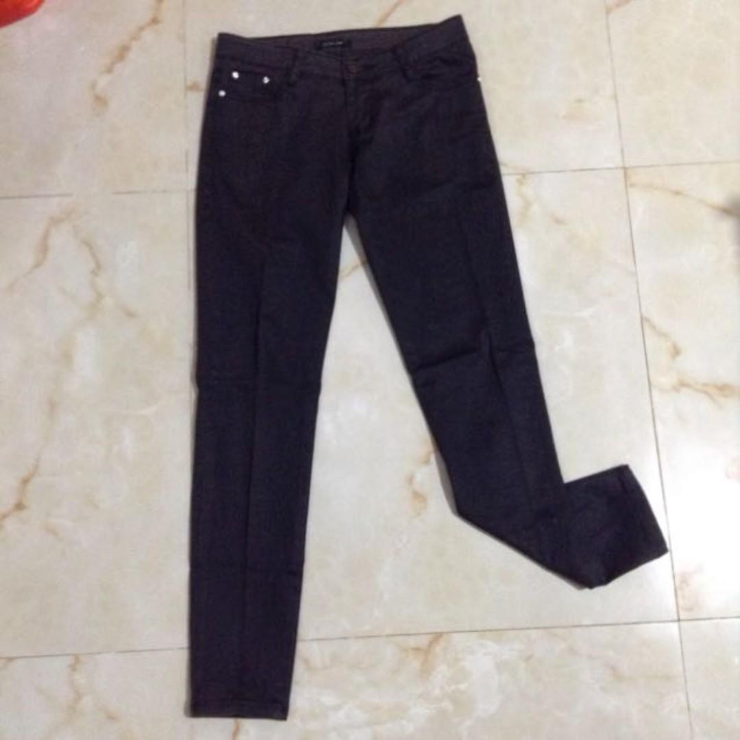 Black Pearl Jeans // Celana Panjang Hitam Size 26