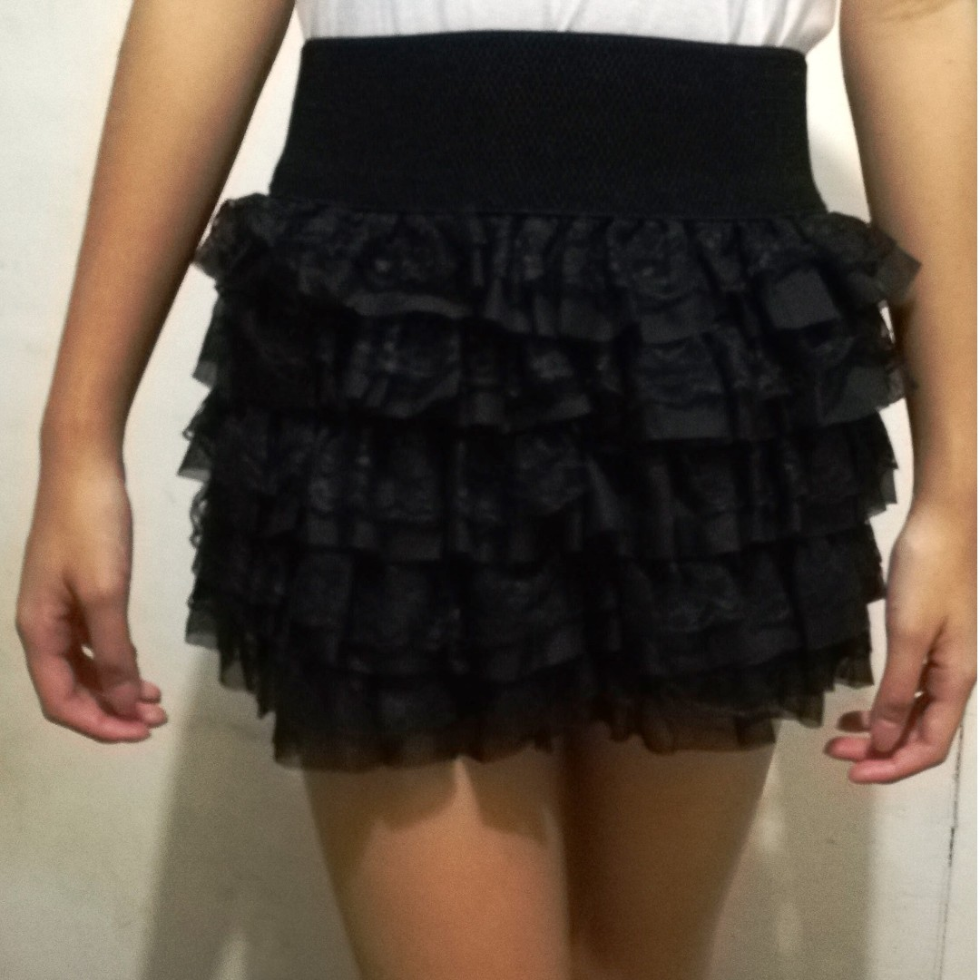 black, ruffled skirt
