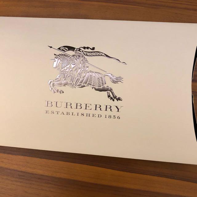 BURBERRY 立體禮拜盒
