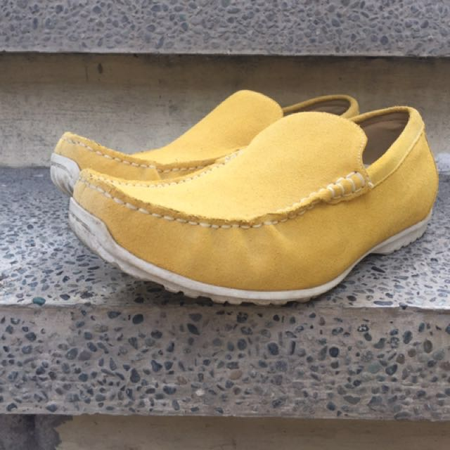Cedar Crest Yellow Loafers (Size 10)