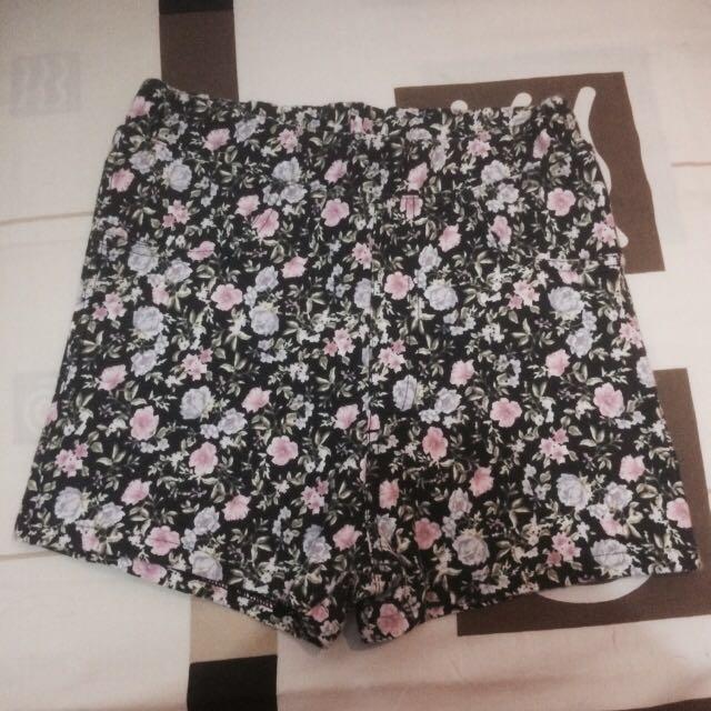 Celana pendek H&M (motif bunga) HIGHWAIST