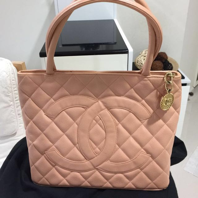 c956d88a9aa7 Chanel Medallion Tote Bag (Peach/Apricot) on Carousell