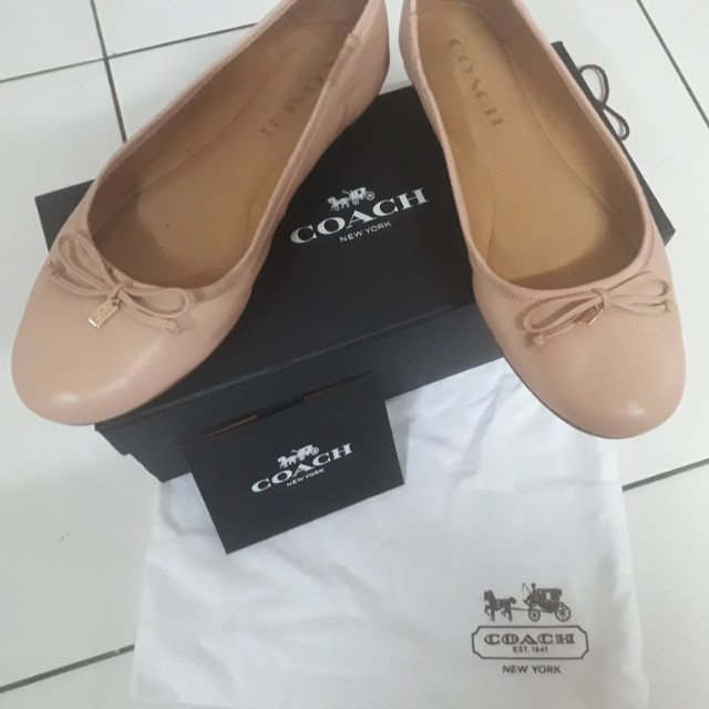 fa06157d9aa france coach chelsea leather ballet flats shoes size 8.5 luxury on carousell  36c96 6ed89  ebay coach flat shoe for sale womens fashion shoes on carousell  ...