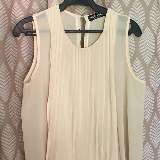 Cream mullet top with pleats