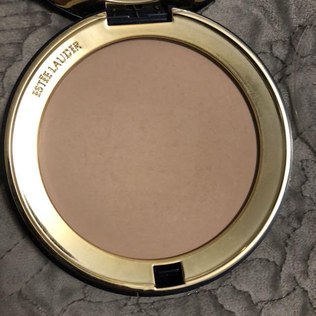 Estee Lauder Ultralucent Pressed Powder