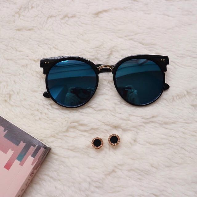 Gentle Monster Sunglasses & Bvlgari 05 Earrings