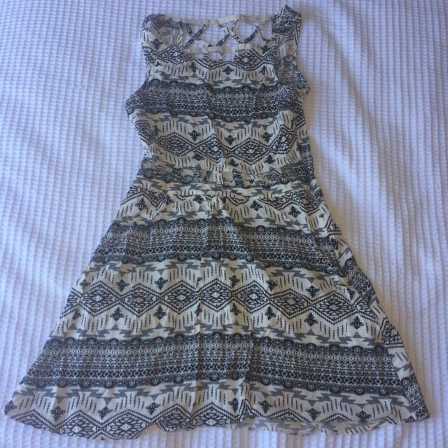 H&M black And White Cut Out Dress