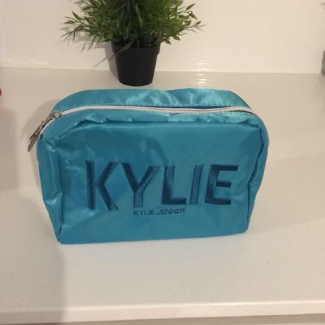Kylie Jenner makeup bag