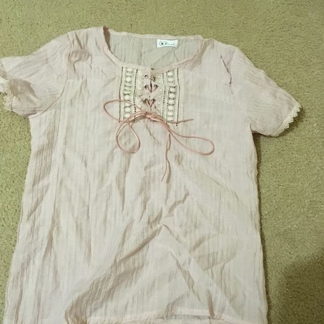 Lace light pink summer top