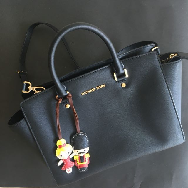 michael kors medium selma bag women s fashion women s bags rh id carousell com