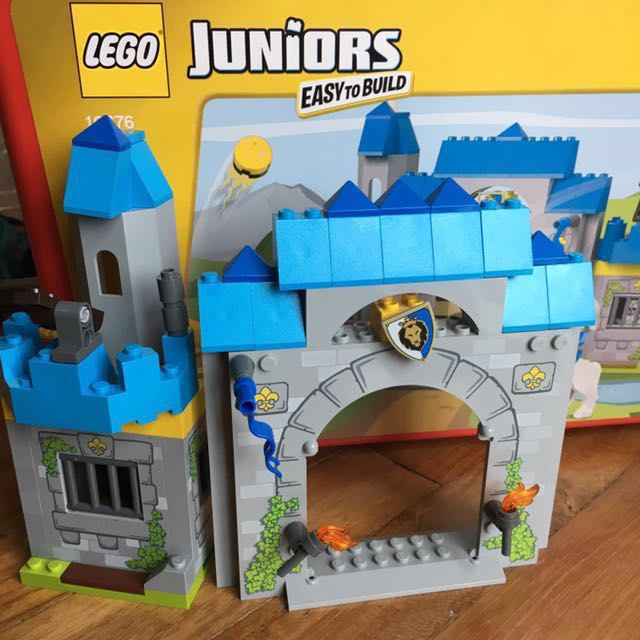 More than 50% off Lego Juniors 10676 Castle With Box Manual ...