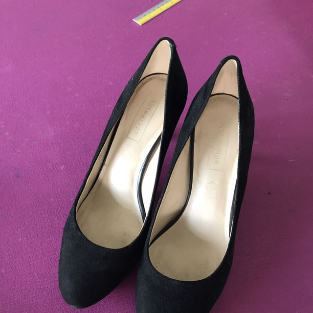 M&S Court Shoes In Sued Black