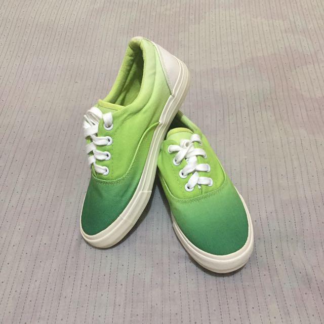 Penshoppe Sneakers