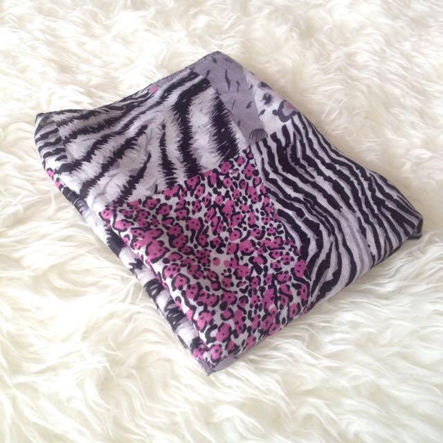 •PRELOVED• Pink'Grey Animal Print Shawl