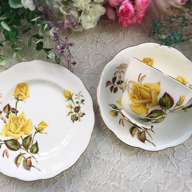 英國製Royal Standard 黃色玫瑰花描金骨瓷三件式杯盤組