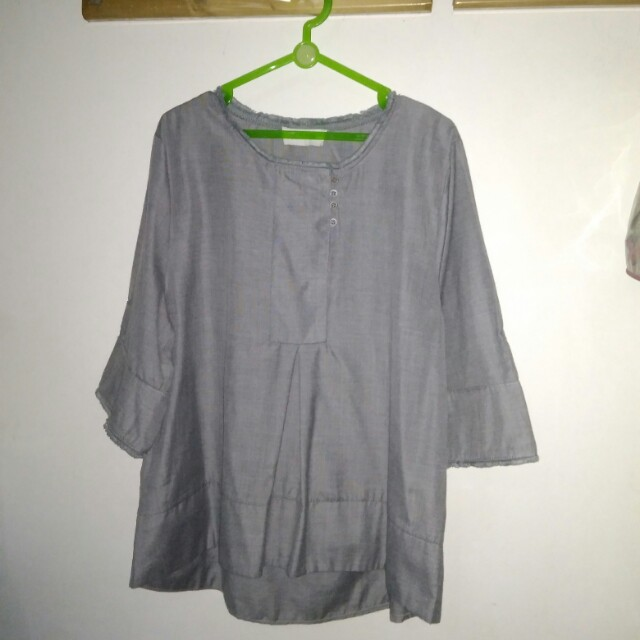 This is April top grey 2
