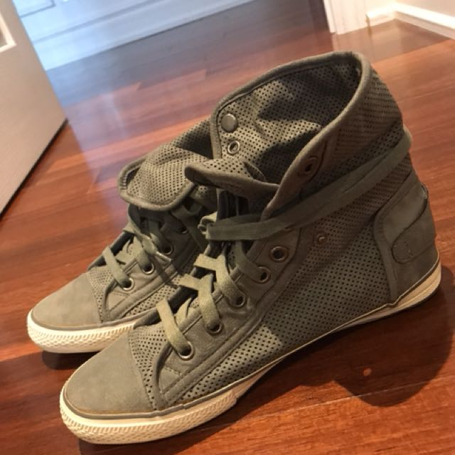 Used men ALDO converse looking shoes- size 8