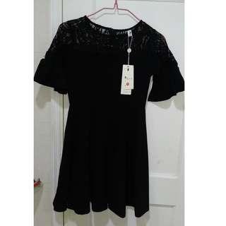 全新 黑色 鏤空蕾絲 夏季短袖直身裙