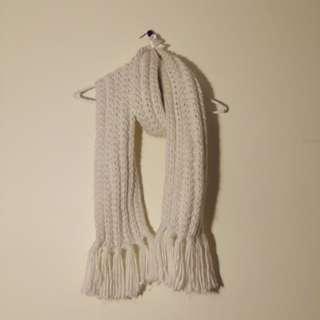Soft chunky knit scarf