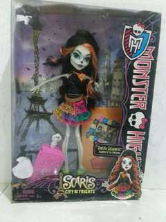 Boneka Barbie Monster high skelita mattel