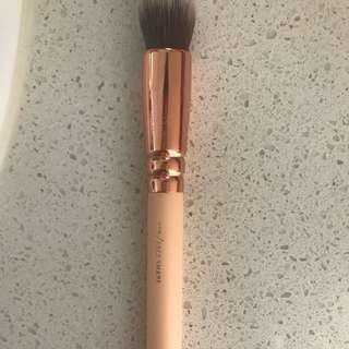 Zoeva 110 Face Shape Brush