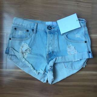 One Teaspoon Bandits denim shorts size 26