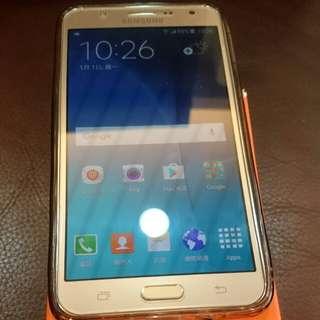 三星Samsung Galaxy J7 5.5吋手機