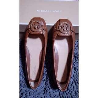 Sepatu Michael Kors ( Authentic )