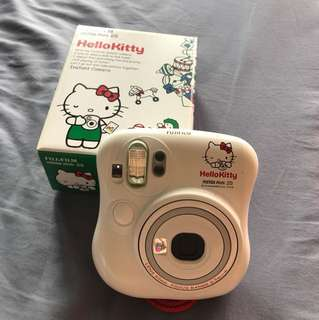 HelloKitty Instax Mini 25 - Fujifilm