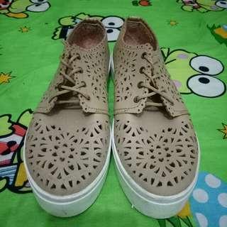 Sepatu Nevada 2pcs