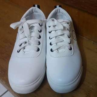 🚚 白鳥麗子 微笑小白鞋#舊愛換新歡