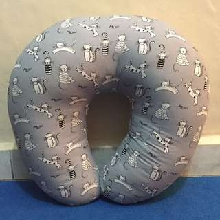 NEW. Nursing pillow/bantal menyusui