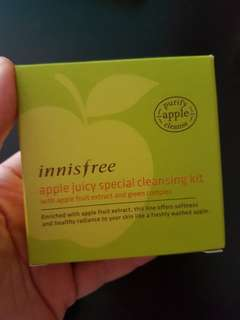 Innisfree apple cleansing face wash