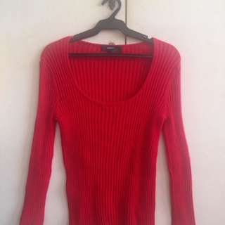 Red longsleeves sweater cotton