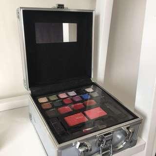 makeup box💖