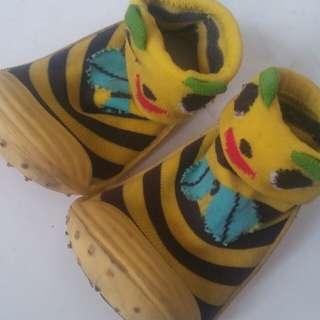 Sepatu prewalker baby size 23