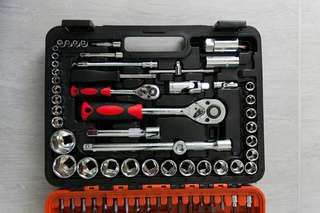 TOOLKIT Mechanic quality of 94 pcs socket ratchet hand tools for car repair